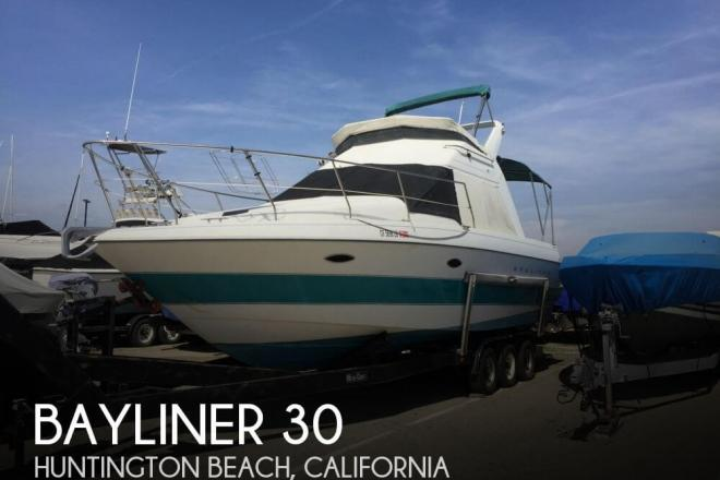 1993 Bayliner 3058 Ciera Command Bridge - For Sale at Huntington Beach, CA 92646 - ID 131233