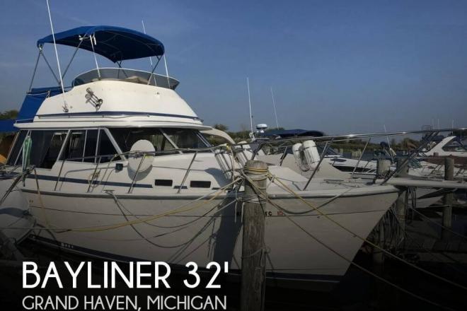 1985 Bayliner Explorer 3270 - For Sale at Grand Haven, MI 49417 - ID 131093