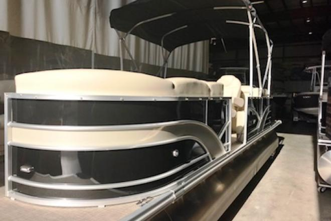 2017 Sylvan 8524 LZ - For Sale at Grand Haven, MI 49417 - ID 123933