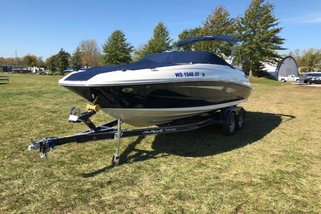 2016 Sea Ray 240 SUNDECK - For Sale at Madison, WI 53701 - ID 132959