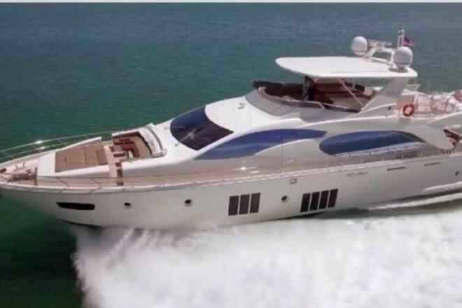 2015 Azimut 88FLY - For Sale at Coral Gables, FL 33114 - ID 135182