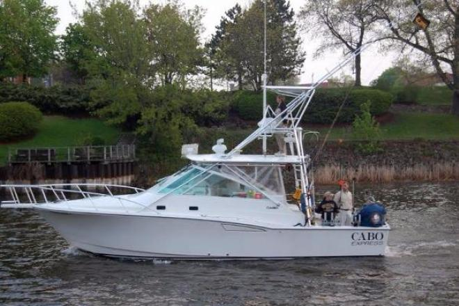 2001 Cabo 35 Express - For Sale at Manistee, MI 49660 - ID 138024
