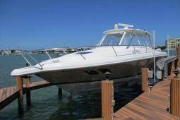 2013 Intrepid 390 Sport Yacht