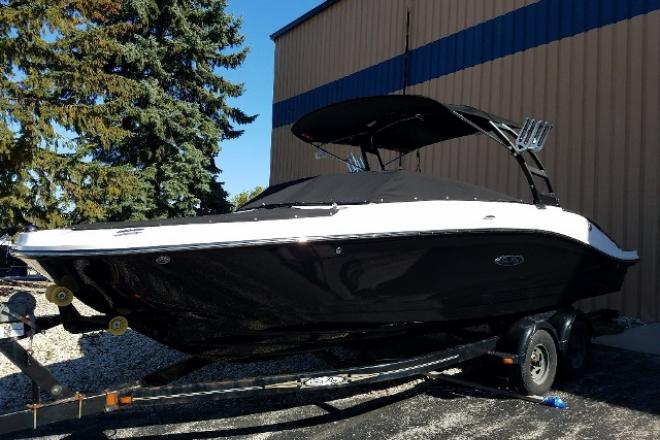 2018 Sea Ray 230SPX - For Sale at Pewaukee, WI 53072 - ID 126595