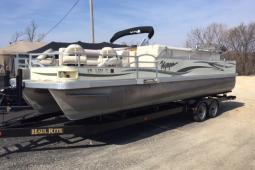 2007 Voyager 25 Express Fish and Cruise
