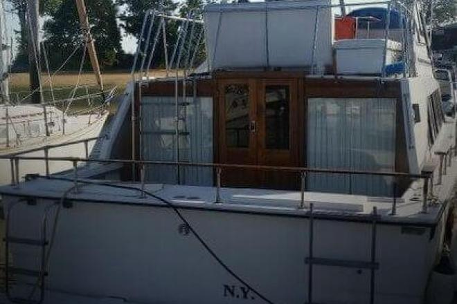 1981 Carver 3396 Mariner - For Sale at Smithtown, NY 11787 - ID 106048