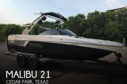 2017 Malibu 22 MXZ