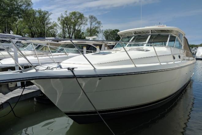 1999 Tiara 4000 EXPRESS - For Sale at Marblehead, OH 43440 - ID 144056