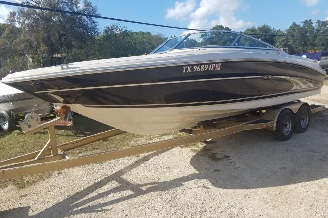 2001 Sea Ray 230 Bowrider - For Sale at Lakehills, TX 78063 - ID 148060
