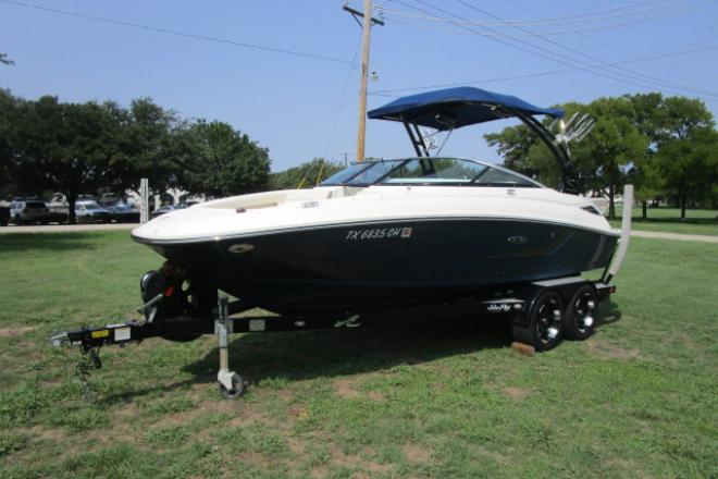 2013 Sea Ray 220 Sundeck - For Sale at Lewisville, TX 75077 - ID 149640