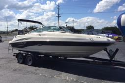 2003 Sea Ray 220 Sundeck®