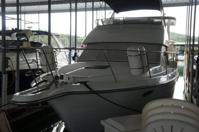1992 Carver 33 Aft Cabin - For Sale at Branson, MO 65615 - ID 151769
