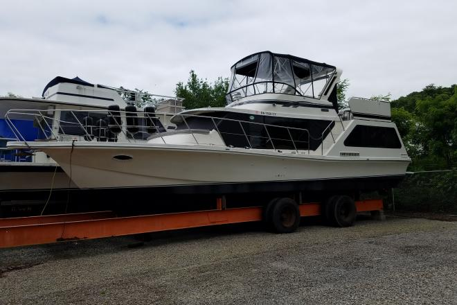 1986 Bluewater Coastal Cruiser - For Sale at Kittanning, PA 16201 - ID 155409