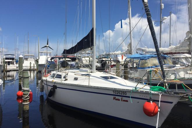 1992 Hunter Legend 37.5 - For Sale at Fort Pierce, FL 34945 - ID 156889