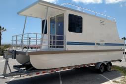 2018 Catamaran Cruisers Lil Hobo