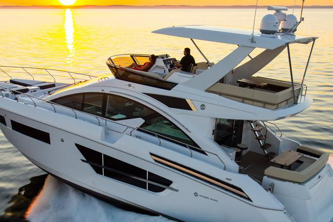2019 Cruisers FLYBRIDGE - For Sale at Grand Haven, MI 49417 - ID 165174