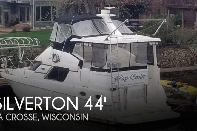 1999 Silverton 392 Motor Yacht - For Sale at La Crosse, WI 54601 - ID 165378
