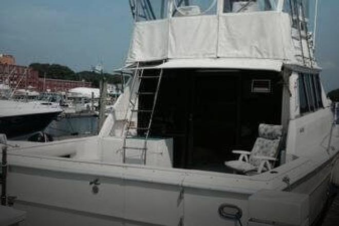 1984 Sea Ray SRV 390 - For Sale at Pawcatuck, CT 6379 - ID 77893