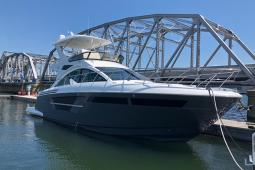 2019 Cruisers FLYBRIDGE