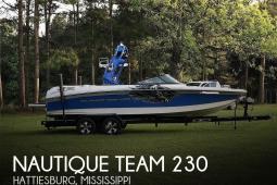 2011 Nautique Team 230