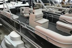 2019 Apex 824 Angler Qwest All Sport Deluxe