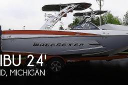 2014 Malibu Wakesetter 24 MXZ