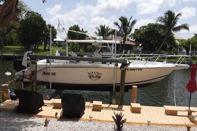 2000 Angler Pro Series Center Console - For Sale at Marco Island, FL 34145 - ID 171055