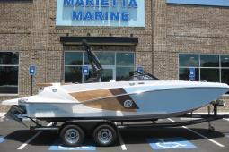2019 Glastron GTD225 SURF Deck Boat