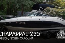 2017 Chaparral 225 SSi Deluxe