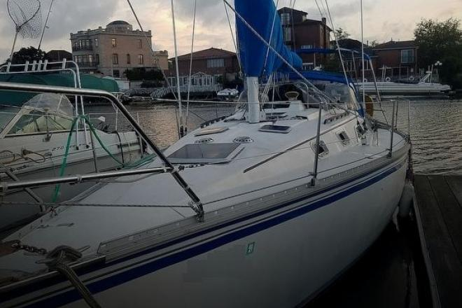 1985 Hunter 34 - For Sale at Brooklyn, NY 11234 - ID 177552