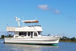 2005 Mainship 400 Flybridge Trawler