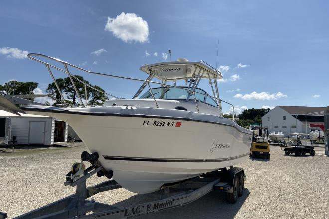 2001 Seaswirl 2600 Striper - For Sale at Port Charlotte, FL 33953 - ID 179915