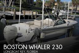 2015 Boston Whaler 230 Vantage