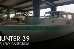 1967 Hunter 39 Pleasure Cruiser Sedan
