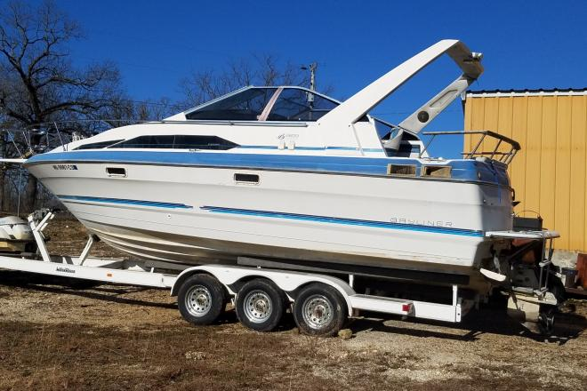 1988 Bayliner 2655 - For Sale at Gravois Mills, MO 65037 - ID 185614