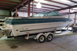 1988 Sea Ray 250 Cuddy Cabin