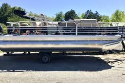 2020 Sun Tracker Fishin' Barge® 20 DLX