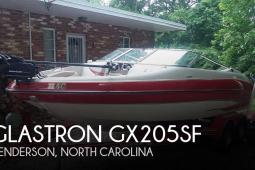 2004 Glastron GX205SF