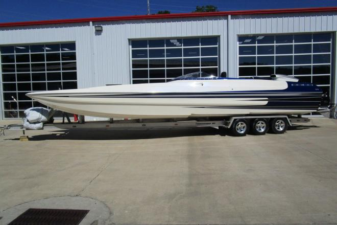 2004 Spectre 36 Poker Run
