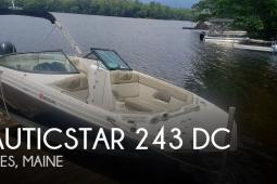2017 Nautic Star 243 DC