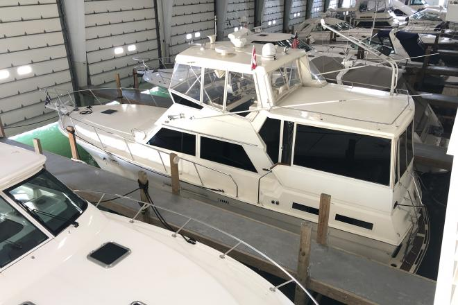 1988 Viking 44 Motor Yacht - For Sale at Detroit, MI 48201 - ID 198777