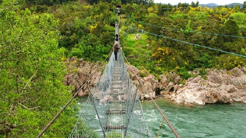 The adrenaline seeker will love the 'Supaman' ride, which involves launching into the air for a harnessed flight, without the security of a seat. Fly across the largest Swingbridge in New Zealand enjoy the thrill and the scenery to which this amazing ride has to offer