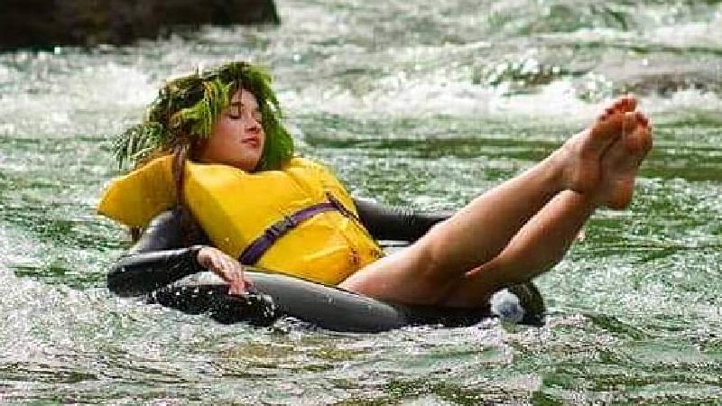 Whitewater: Rafting & Riversurfing