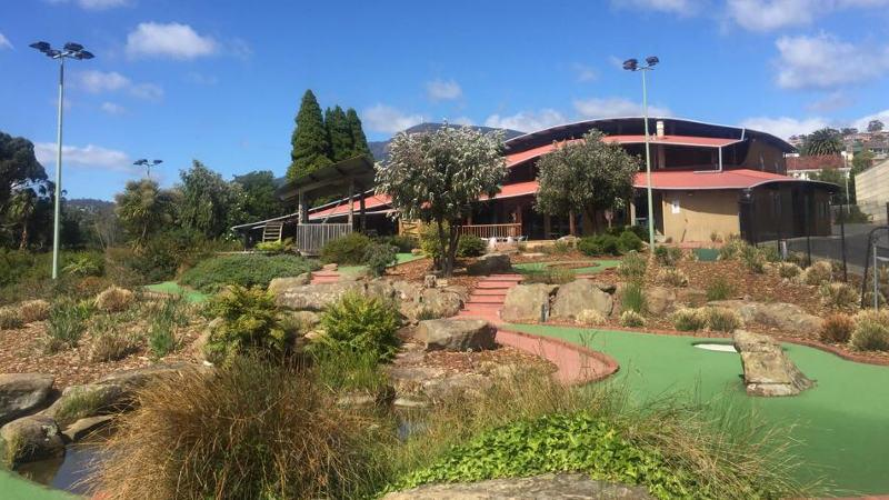 Indulge in the full golfing experience and enjoy TWO epic courses at Hobart Putters Adventure Golf – a world class recreational facility that will take your miniature golfing experience to the next level with some of the best designed miniature golf courses in the world!