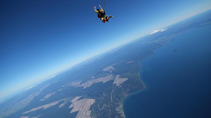 Feel On Top Of The World with our NEW and HIGHEST skydive from 18,500 ft! If you want the ULTIMATE skydiving experience then this jump is for you! Our 18,500 ft skydive is a must-do if you want to skydive in New Zealand. You'll get up to 75 seconds of sweet, sweet free fall where you can soak up the incredible views and every bit of adrenaline.