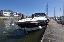 Cruisers_Yachts_330_Express