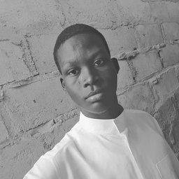 Gyen Abubakar 💙❤️