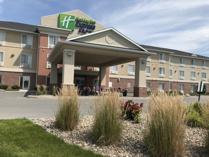 Holiday Inn Express & Suites Council Bluffs Conv Ctr Area