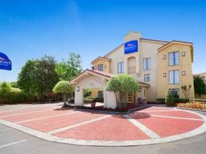 Baymont Inn and Suites Marietta Atlanta North