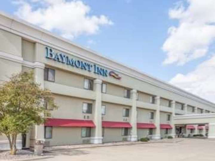 Baymont Inn and Suites Champaign